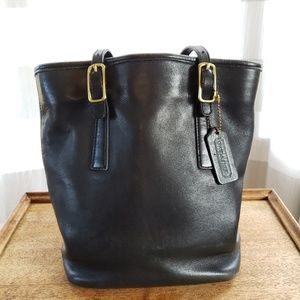 Vintage Coach Black Leather Bucket Shoulder Bag